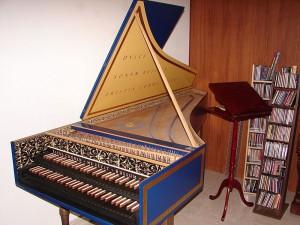 Двухмануальный франко-фламандский клавесин, построенный в 2004-ом году Титусом Крейненом по исторической модели Рюккерса