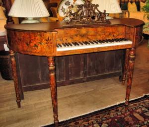 Фортепиано Demilune